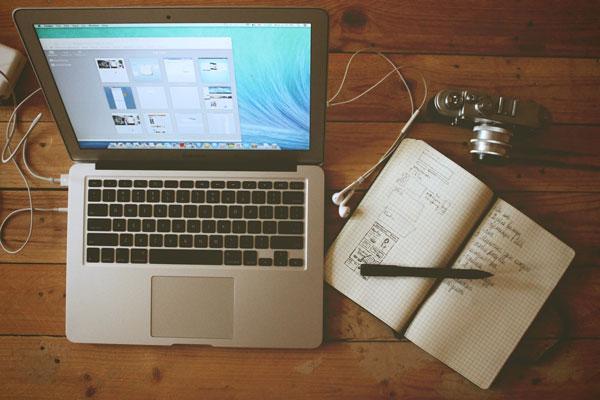 Blog Y RRSS. El Marketing De Contenidos